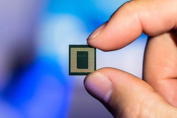 全球芯片大涨价 能买到也买不起