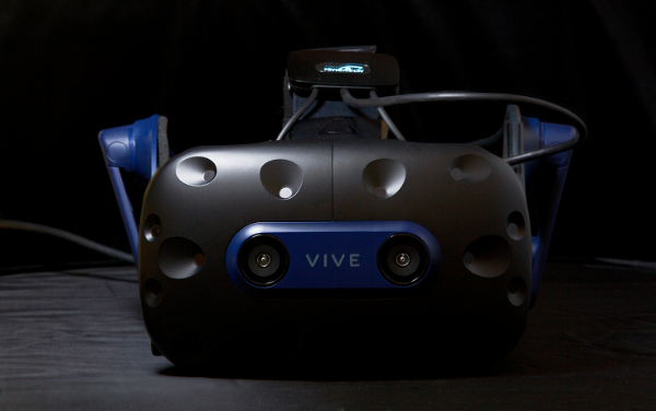 Droolon F2 首次亮相HTC Vive 新品体验会暨开发者客户大会