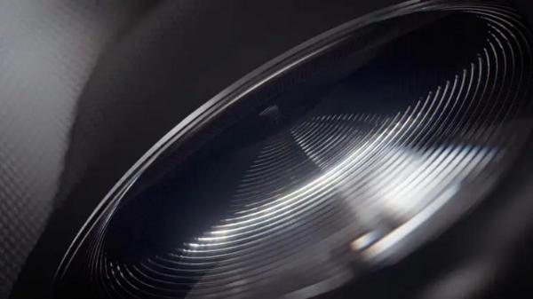 为全新VR头显发布做准备:Facebook、索尼订购大量新型光学透镜