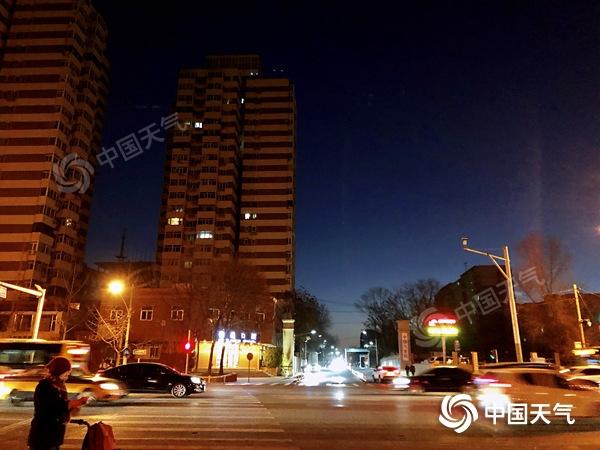 """北京今天白天""""晴""""歌继续唱 夜间大部地区或有小雪现身"""