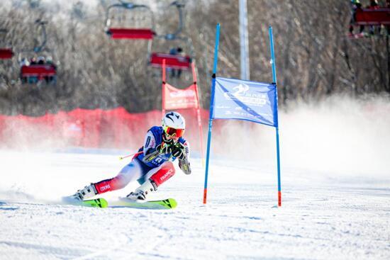 吉林国际高山/单板滑雪挑战赛在北大湖滑雪场完成收官