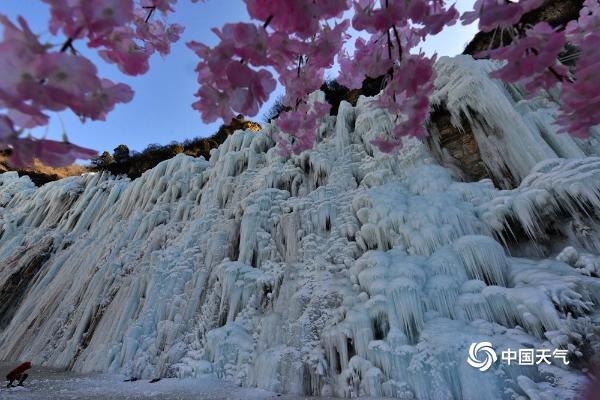 遭遇京郊最美的冬天!房山下云岭有壮观的冰瀑