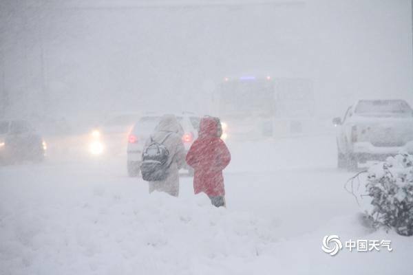直击山东降雪现场 烟台威海天地一片白茫茫