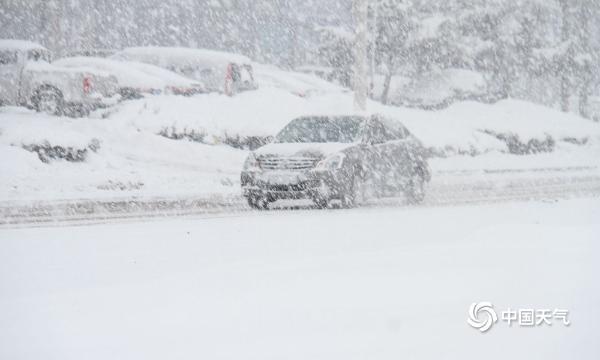 寒潮余威不减 威海再降中雪阻碍交通