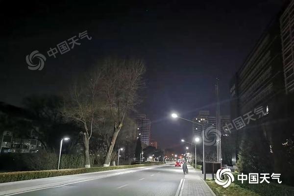 北京维持寒冷最低气温-10℃ 今明天阵风6级风寒效应明显