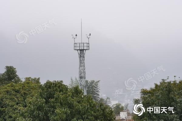 清晨大雾扰乱湖南部分地区 24日湘西、湘北又有降水