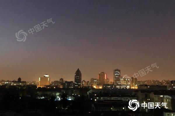 今天北京有点暖!最高气温将升至8℃ 早上外出需防风