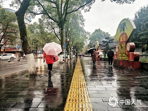 解渴!湖南的雨不断有利于缓解干旱 怀化邵阳等地有中雨