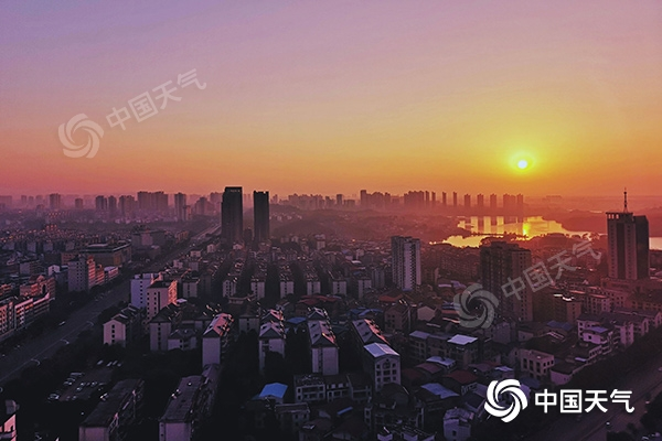 华北等局地有重度霾 假期过后冷空气频繁