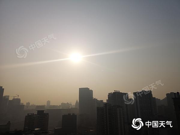 """重庆将是""""上线"""" 冬天阳光温暖 明晚雨雪交加"""