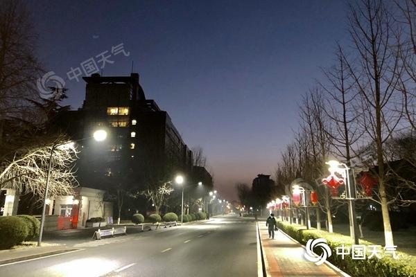 北京今日转晴阵风6级左右 明夜起大风降温又至