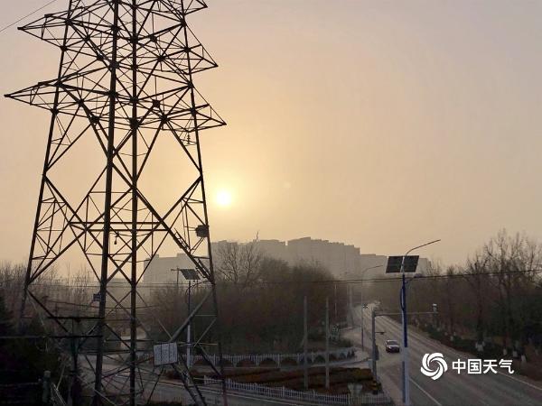 北京的天空变暗后 空气质量将逐渐改善
