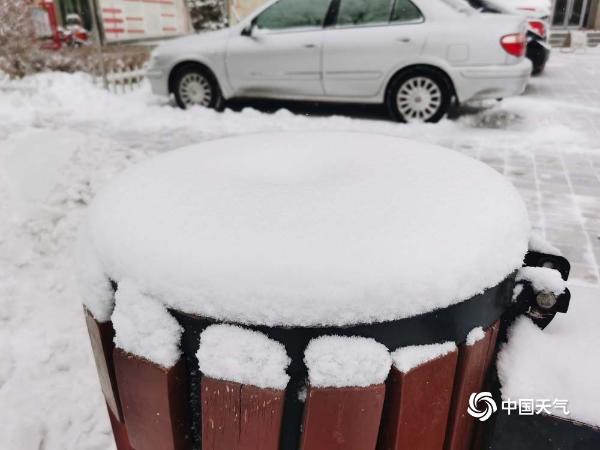 甘肃酒泉降雪 银装素裹冬韵浓