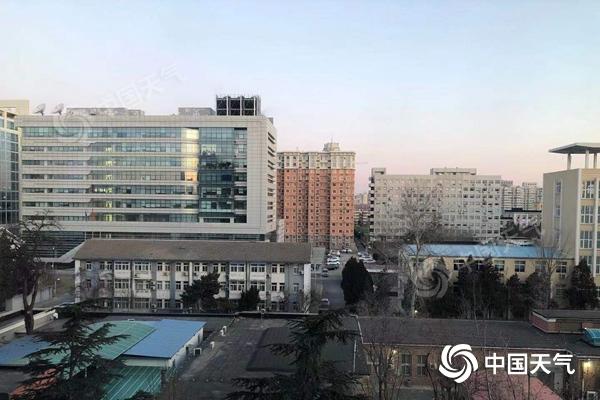 北京今天最高气温将降至冰点 北风呼啸 阵风约六级