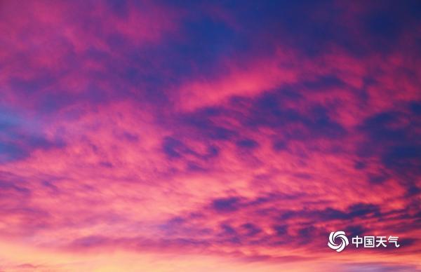 新疆哈密市巴里坤美丽的日落