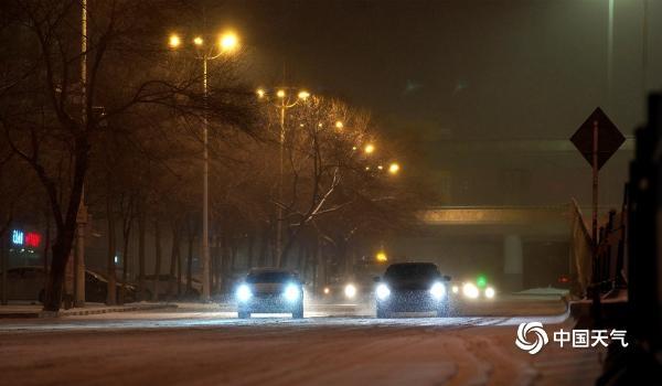 哈尔滨的交通昨晚受到了大雪的影响