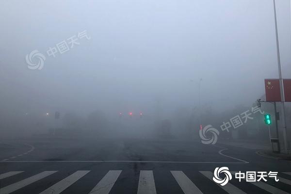 湖南多条高速因雾受管制 明晨仍有大雾需防范-资讯-中国天气网