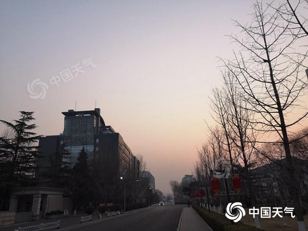 今天北京持续升温 夜间现雨雪