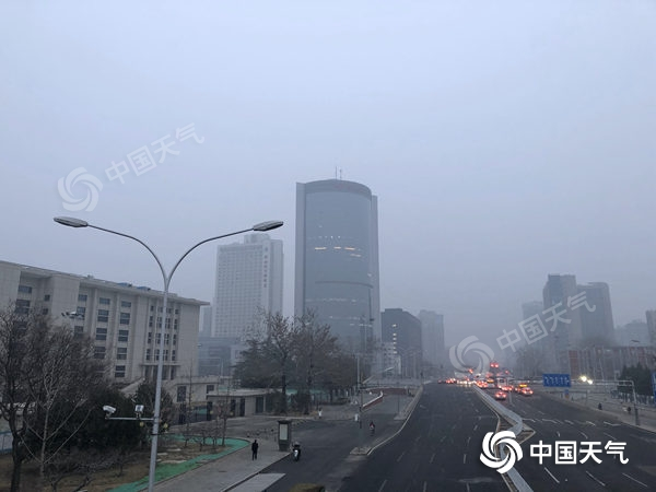 今日北京小雨亮相 大雾致多条高速封闭