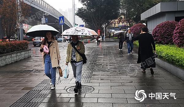重庆昨日局地最高气温逼近30℃ 今起三天多阵雨