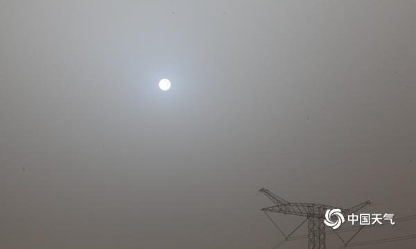 """太阳又蓝了吗?受沙尘影响 同样的火星""""蓝色太阳""""在北京上空重现"""