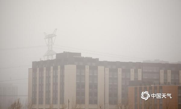 """北京城区空气质量全面""""爆表"""" 今天白天仍是沙尘主要影响时段"""