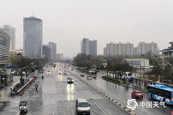 新一轮雨雪启程 江南华南降温达10℃