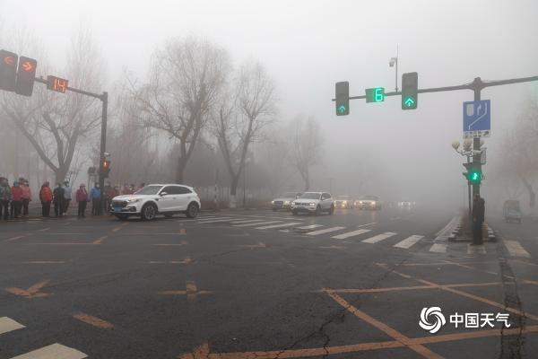 大雾锁城!吉林部分地区能见度不足50米