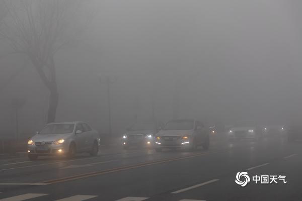 雾锁城!吉林一些地区的能见度不到50米