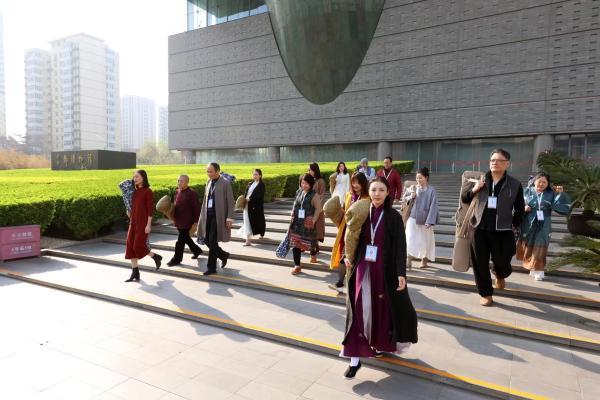 """第一个博客""""别出心裁优雅收藏""""在北京举行 有一场来访的朋友和古琴的音乐会"""