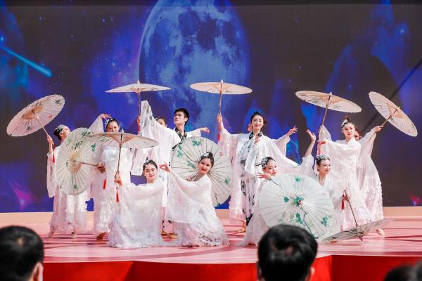 赏万亩梨花,感知传统文化,北京大兴举办梨花游园活动