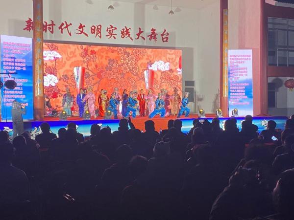 文化下乡,戏曲、电影进村惠民
