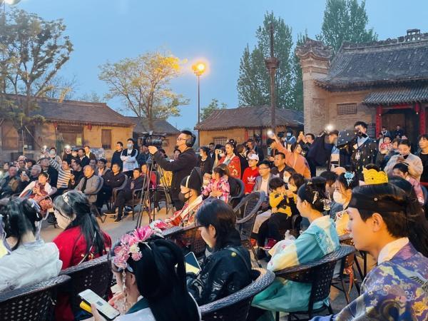 梦回古原,遇见白鹿:陕西白鹿原影视城举办首届华服节