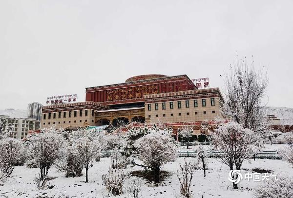 4月1日 青海许多地方出现大雪 重现冬季景象