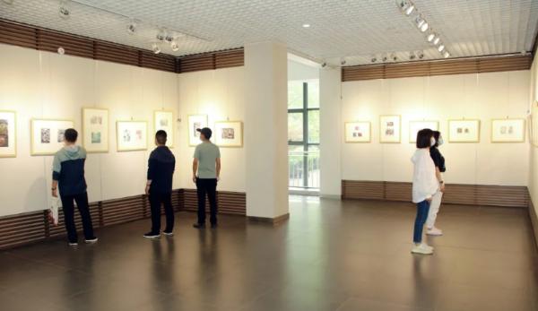 河北省第二届少儿藏书票小版画作品展在省图书馆展出