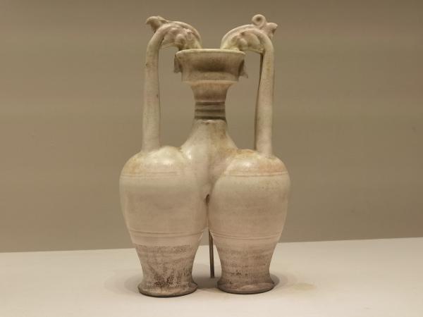 看见文物 | 白瓷制作的盛水器,你见过吗?