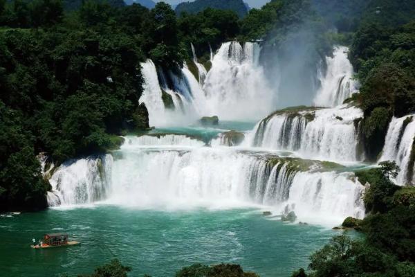 清凉一夏!走,去广西中越边境看德天瀑布