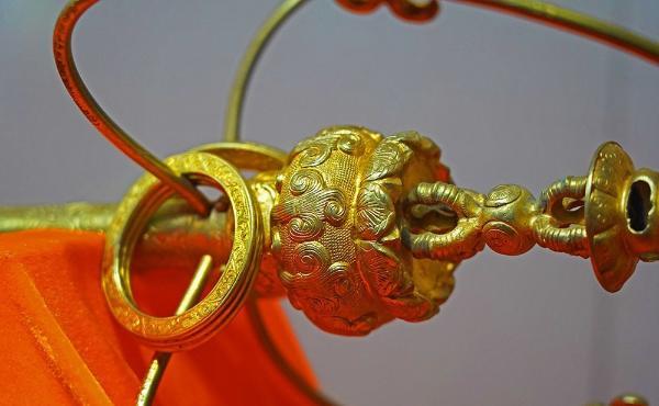 看见文物   比唐僧的九环锡杖还贵重的宝物