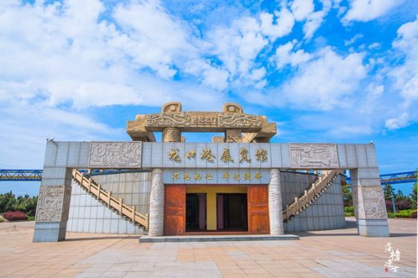 山东龙口有一处文化苑,风景如画,还是影视剧《闯关东》的取景地
