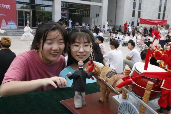 西安市非遗保护校园行走进陕西国防工业职业技术学院