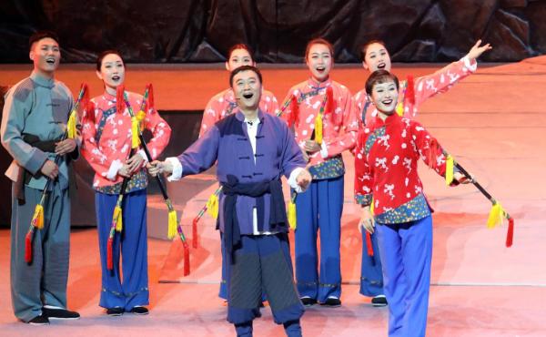 民族歌舞剧《团结就是力量》亮相石家庄