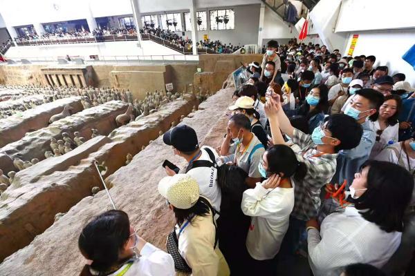 """秦始皇帝陵博物院""""五一""""接待游客近30万人次"""