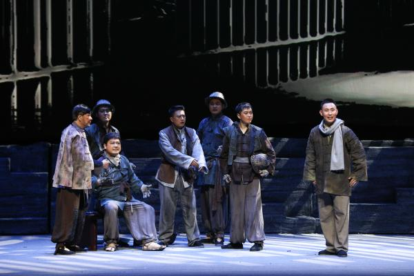 走过百年初心不改,泉城观众积极评价吕剧《先驱·王尽美》
