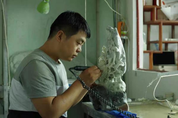 陕西省工业美术大师刘珅:守正创新 推动蓝田玉雕艺术迈上新的台阶