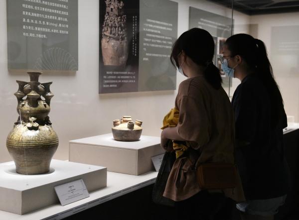 """到西汉南越王博物馆去""""发现越窑"""""""