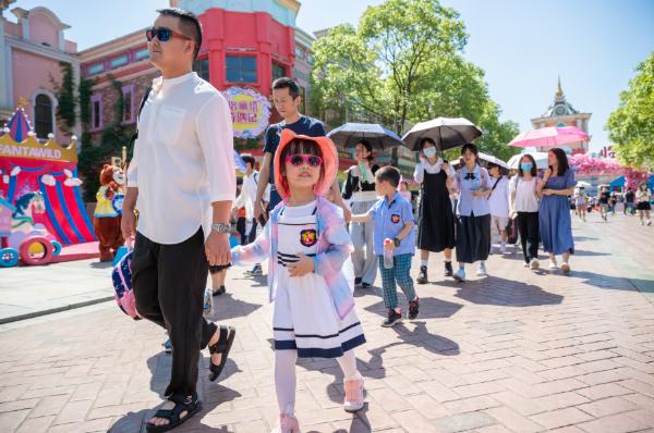 湖南方特三大园区推出暑期主题活动和优惠政策