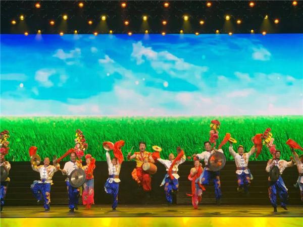安徽庆祝党的百年华诞 《百年正风华》演出举办