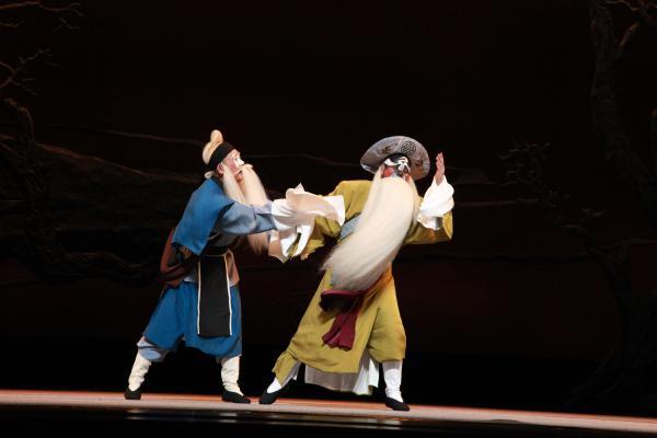 山东十二艺节新创剧目展演:历史钟声与现实乐章的协奏曲