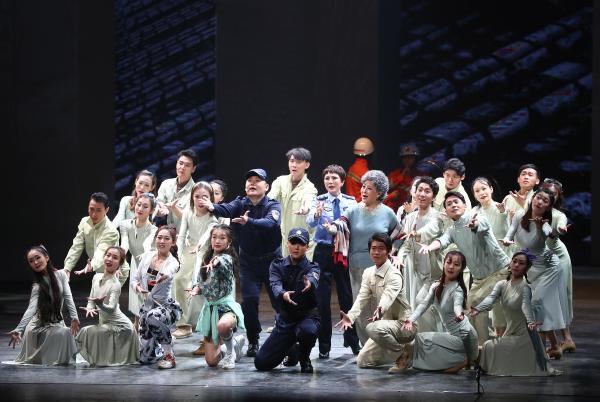 原创音乐剧《北京故事》在北京保利剧院首演