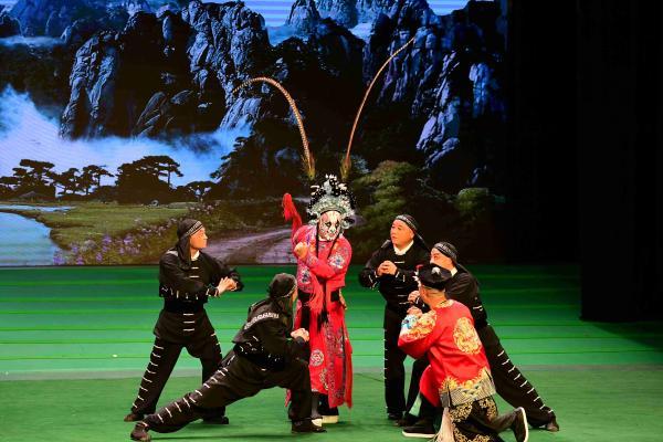 河南鹤壁豫剧牛派艺术研究院在湖南张家界开展文化交流活动